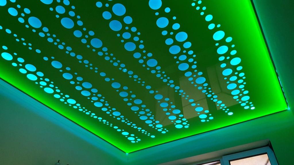 Освещение перфорированного потолка
